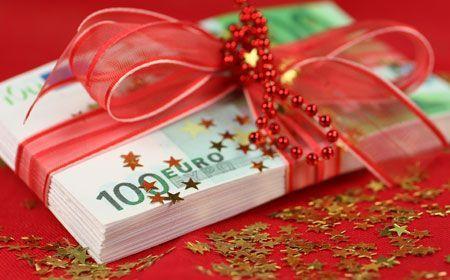 jeder vierte schenkt zu weihnachten geld oder gutscheine. Black Bedroom Furniture Sets. Home Design Ideas