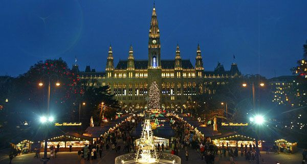 christkindlmarkt am rathausplatz wien ffnet seine pforten. Black Bedroom Furniture Sets. Home Design Ideas