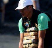 Bis zu 10 Tonnen Kokain in Kohlesäcken verpackt
