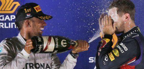 Hamilton stürmte in Singapur zur WM-Führung – Rosberg out