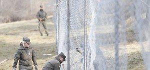 Mikl-Leitner hält weitere Zäune an Südgrenze für möglich