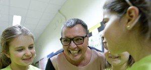 Gesundheitsministerin Oberhauser singt für krebskranke Kinder
