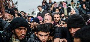 """EU-Außenminister beraten – """"Große Flut"""" von Flüchtlingen erwartet"""