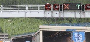 Stau auf der Tauernautobahn nach Unfall und Urlauber-Wechsel