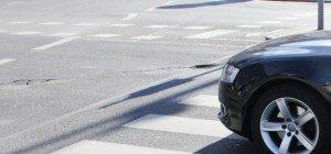 Pensionist in Wien-Liesing von Auto niedergestoßen und schwer verletzt