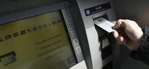 Schelling lädt Banken in Sachen Bankomatgebühren zu sich