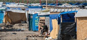 Dutzende Verletzte bei Schlägerei im Flüchtlingslager Calais