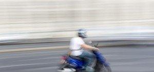 Straßwalchen: 15-Jähriger flieht mit Moped vor Polizei