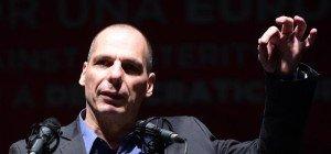 """Varoufakis in Wien: """"Schämt"""" sich für österreichische Asylpolitik"""