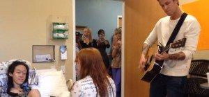 Florence + the Machine singen im Krankenhaus für ein Mädchen