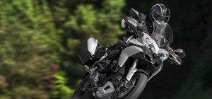 Motorradfahrer bei Unfall in Wien-Liesing lebensgefährlich verletzt