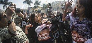 Proteste gegen Präsidentschaftskandidatin Fujimori in Peru