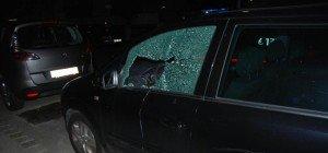 Diebestrio nach Fahrzeugeinbruch verhaftet