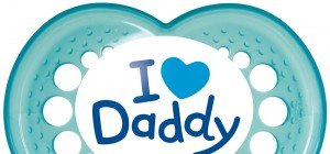 """""""I love Daddy"""" Schnuller von MAM: Originelle Liebesbotschaft zum Vatertag"""