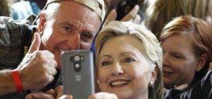 """Dermatologe warnt: """"Selfies schaden der Haut"""""""