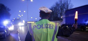Fahrzeugkontrolle: 16-Jähriger ohne Lenkberechtigung und gestohlener Nummerntafel unterwegs