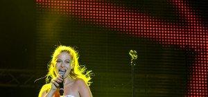 Konzerte am Freitag beim DIF: Eine überwältigte Zoe, ein gerührter Milow