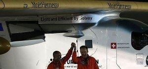 """Solar Impulse 2"" landete nach Weltumrundung in Abu Dhabi"