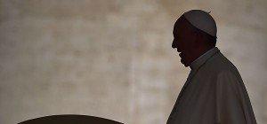 Zentralrat goutiertSchweigen des Papstes in Auschwitz