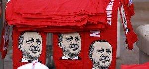 Ankara ordnete Schließung von Zeitungen und TV-Sendern an