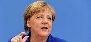 """Heftige CSU-Kritik an Merkels """"Wir schaffen das"""""""