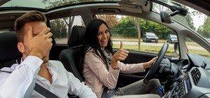 Verkehrsamt-Mitarbeiterin stellt sich selbst Fahrerlaubnisse aus