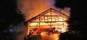 Neumarkt: Stallgebäude brannte vollständig nieder