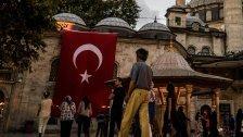 Flüchtlinge gehen von Türkei nach Griechenland