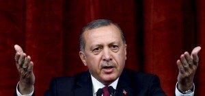 Erdogan darf auf Köln-Demo nicht per Video-Leinwand reden