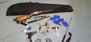 Ermittlungserfolg im Drogenmilieu: Drei Festnahmen, Waffen und Kokain gefunden
