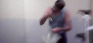 Für Drogen und Ruhm: Häftling beißt einem Vogel den Kopf ab