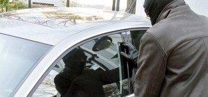 Autoeinbrecher versteckte sich in Wien-Floridsdorf im Kofferraum
