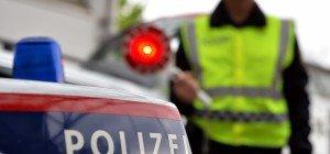 Mann attackierte Polizisten und flüchtete nach Verkehrsunfall in Wien-Donaustadt