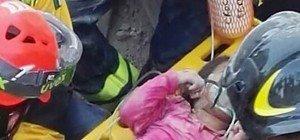 Erdbeben in Italien: Retter entschuldigt sich bei totem Kind