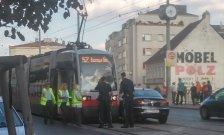 Unfall mit Straßenbahn sorgt für Verzögerungen