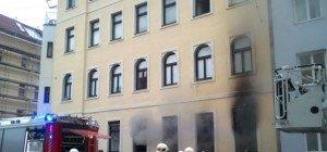Feuerwehreinsatz in Floridsdorf: Zimmerbrand in Erdgeschoßwohnung
