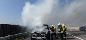 Feuerwehreinsatz in NÖ: Pkw stand auf S5 in Vollbrand