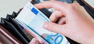 Video: Wie man ein Vermögen mit 5-Euro-Scheinen macht