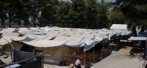 EU stattet Flüchtlinge in der Türkei mit Geldkarten aus