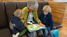 Wiener Schulen suchen ehrenamtliche Lesepaten
