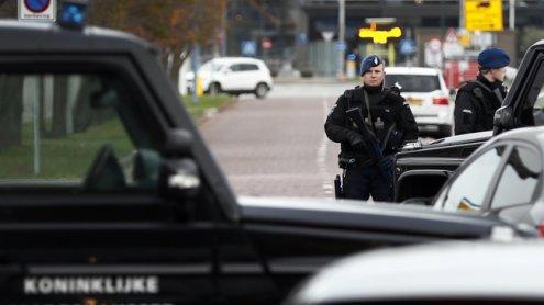 Terrorverdächtiger mit geladener Kalaschnikow von Polizei gefasst
