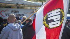 Verfassungsgericht lehnt NPD-Verbot ab
