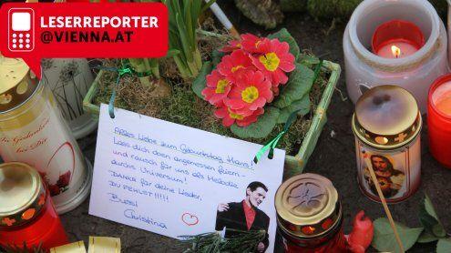 Wiener zelebrierten Falco zu seinem 60er am Zentralfriedhof