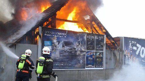 Flüssiggasflasche explodierte: Vollbrand in der Donaustadt