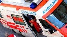 Arbeiter in Penzing zehn Meter von Baum gestürzt