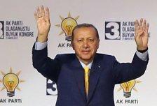 Erdogan wieder zum AKP-Chef gewählt