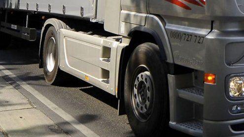 Lkw-Lenker fuhr Bauarbeiter an und beging danach Fahrerflucht