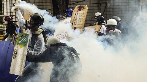 Streik in Venezuela: Erneut Tote bei Protest gegen Maduro