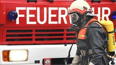Wohnungsbrand in Meidling: Feuerwehr rettete 64-Jährigen