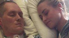 Ein Wunder nach Wochen im Koma: Der erste Kuss
